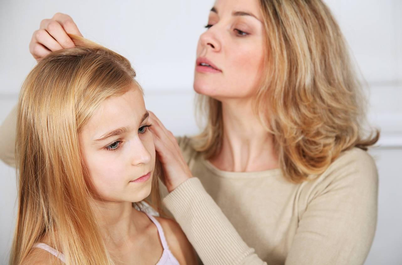 Можно ли избавиться от педикулеза, а также чем и как вывести гнид у ребенка на голове?