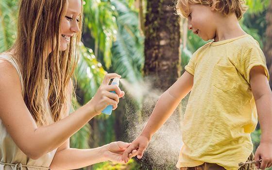 Рецепты эффективных и доступных примочек для лечения укусов насекомых. как сделать содовый раствор от укусов комаров для детей и взрослых раствор соды от комариных укусов