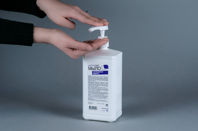 ТОП-5 видов антисептиков спреев для рук и поверхностей: дезинфицирующие поверхности и кожу, медицинский, бытовой