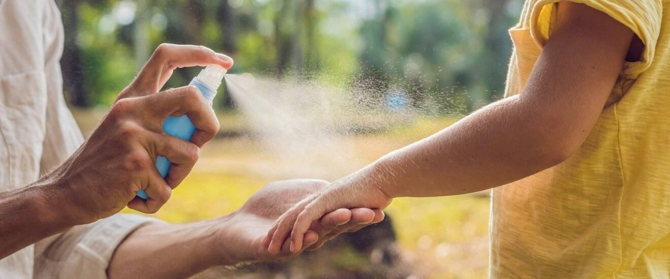Детские спреи от комаров до и от года