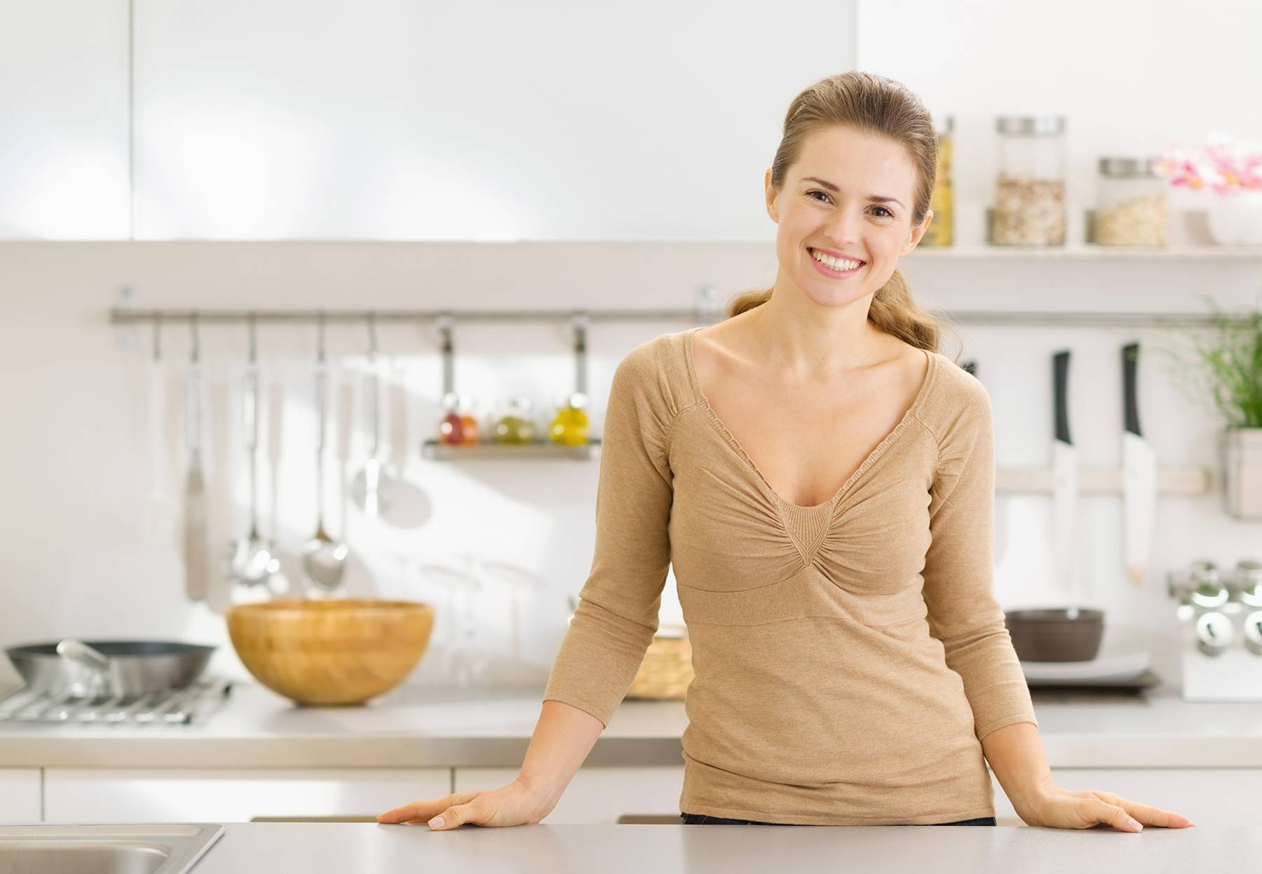 Как избавиться от мелких мошек на кухне: 6 действенных способов