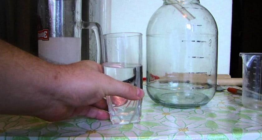 Как использовать нашатырный спирт от тараканов?